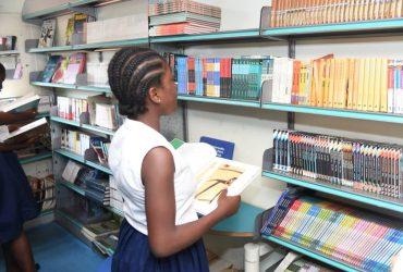 Un bibliobus au lycée Sainte Marie