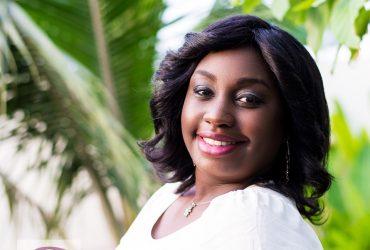 Laetitia Gadegbeku, une Alysma organisatrice du Diner En Blanc Abidjan
