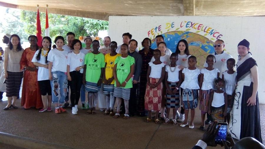 Cérémonie culturelle avec des femmes entrepreneures chinoises au Lycée Sainte Marie